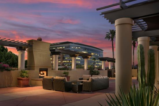 Tempe Mission Palms: TempeMissionPalms_Exterior_Fireplace_seating