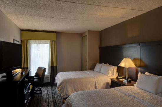 Bowie, MD: Guest Room with Two Beds