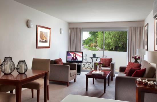 Somerset on Salamanca, Hobart: 2 Bedroom Deluxe Living Room