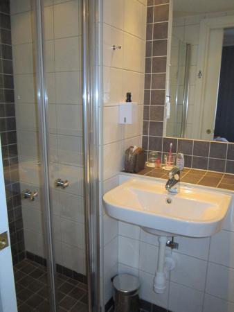 Scandic Gamla Stan: Bathroom.