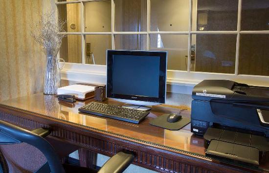 Lisle, IL: Executive Level Business Computer Station