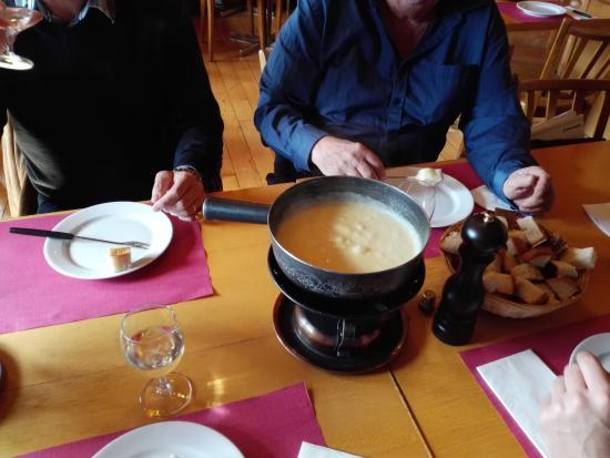 Pinte de Pierre-a-Bot: fondue savoyarde excellente
