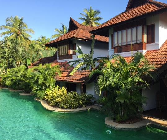 Meandering Pool Villa With Direct Port Access Picture Of Kumarakom Lake Resort Kumarakom