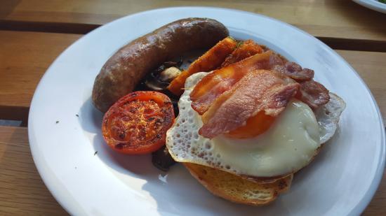 Micky finns: Full breakfast