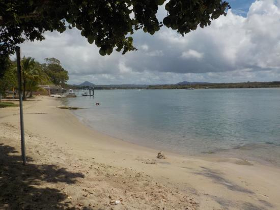 Noosa River Holiday Park : Noosa river from our pitch