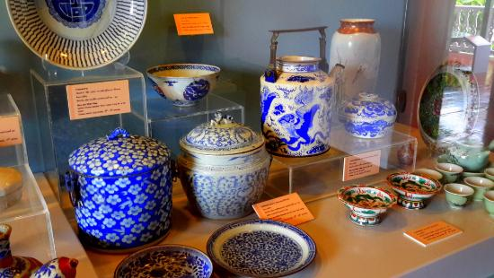 Songkhla National Museum: Ancient jars and dishes from old Songkhla