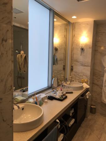 Premier Twin - Very nice bathroom