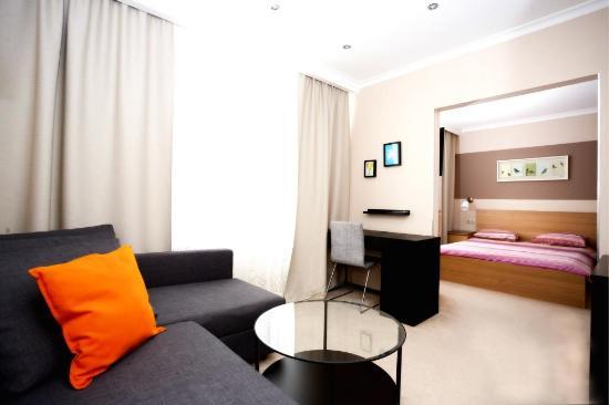 "Yunost Hotel: Номер категории ""Люкс"""
