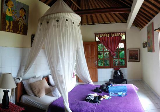 Nirwa Ubud Homestay: Bungalow