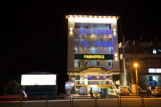 FabHotel Electronic City