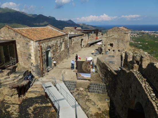 Calatabiano, Ιταλία: l'area del castello