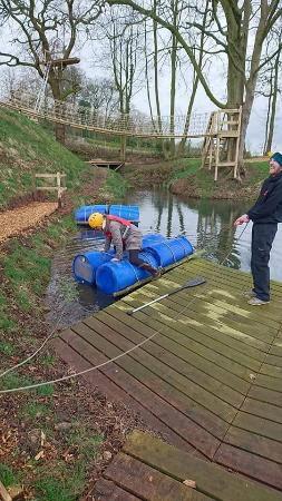 Cheshire, UK: Raft building