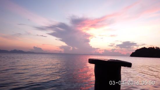 Лампунг, Индонезия: Sun Rise di Pahawang Besar