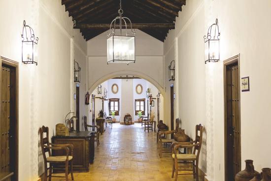 Hotel Cortijo San Antonio: Interior del hotel