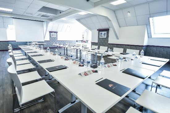 Ibis Beaune La Ferme Aux Vins: meeting room