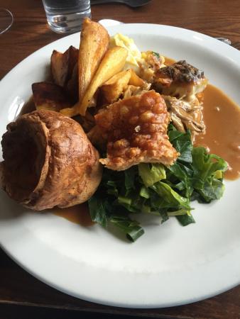 Clavering, UK: Roast Pork and crackling