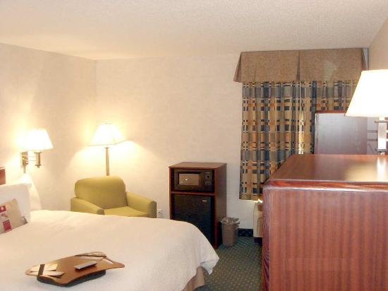 Lancaster, OH: King Bed Room