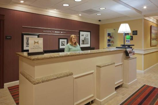 Moss Point, MS: Front Desk