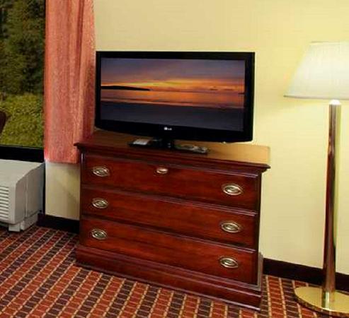 Frazer, PA: Suite TV