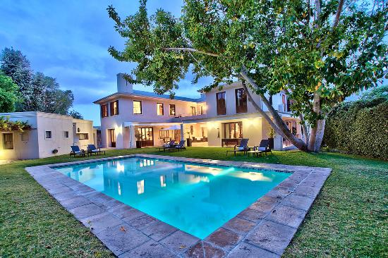Nova Constantia Boutique Residence: Heated Pool
