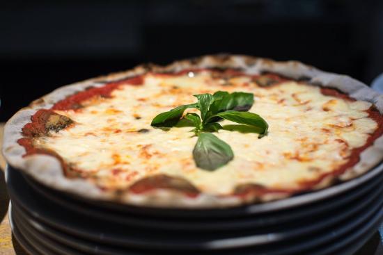 I Vitelloni: Margherita ai carboni vegetali
