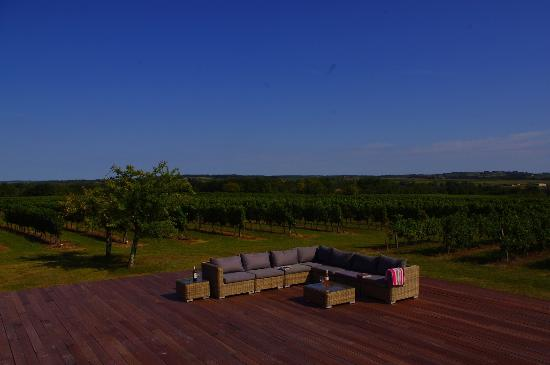 L'Autre Vie: A blend of boutique hotel & B&B charm, surrounded by Bordeaux's vineyards