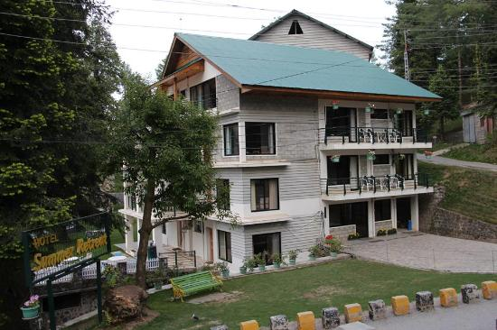 Photo of Summer Retreat Hotel Nathia Gali
