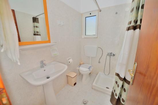 Falasarna Beach Studios&Apartments: bathroom