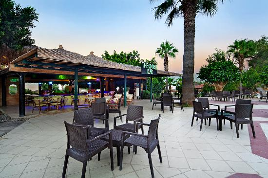 Justiniano Club Alanya: Pool Bar