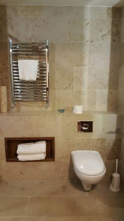 Hotel Westport: 20160418_194800_large.jpg