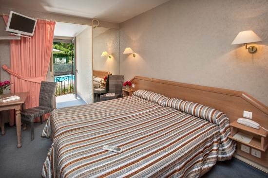 Hotel du mont aigoual meyrueis voir les tarifs 213 avis et 98 photos - Chambre d hote mont aigoual ...