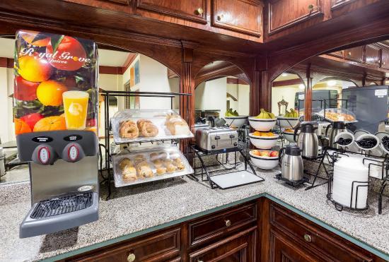 Rosenberg, TX: Breakfast Area