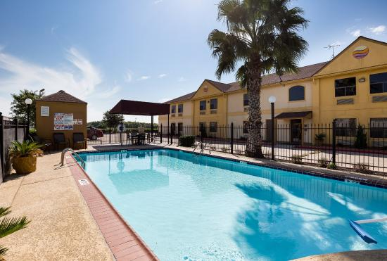 Rosenberg, TX: Pool