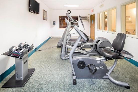 Quality Suites Historic Downtown: Fitness center