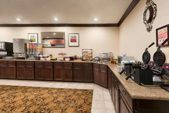 Country Inn & Suites By Carlson, Asheville at Asheville Outlet Mall, NC: ASHVBreakfast Room