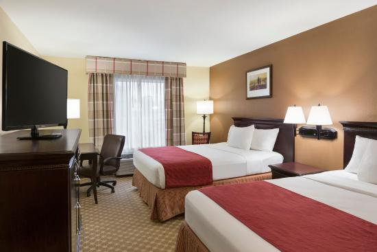 Country Inn & Suites By Carlson, Asheville at Asheville Outlet Mall, NC : ASHVTwo Queen Standard