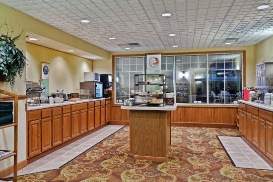 CountryInn&Suites Freeport BreakfastRoom