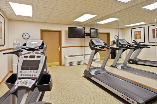 CountryInn&Suites Freeport FitnessRoom