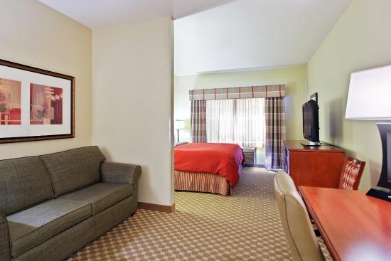 CountryInn&Suites Freeport GuestRoom