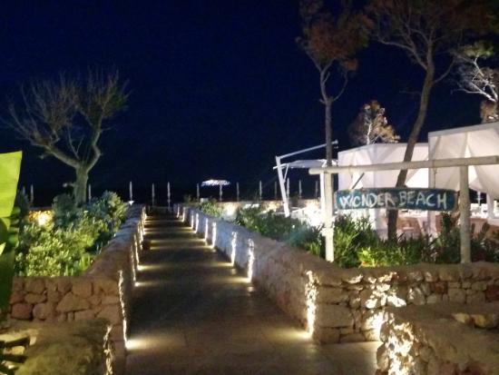 Wonder beach giamp mola di bari ristorante recensioni for Numero abitanti di bari