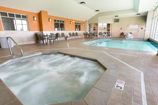 Drury Inn & Suites Cincinnati Sharonville: Indoor/Outdoor Pool