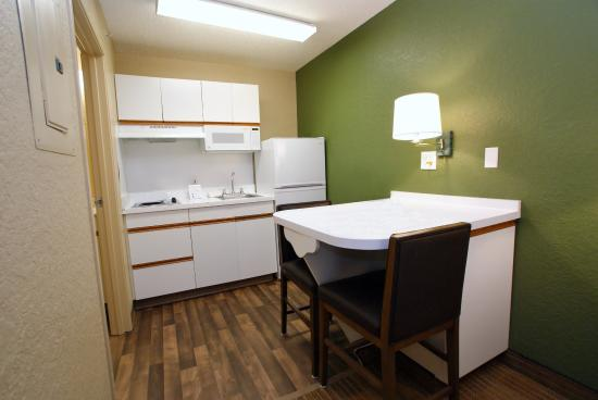 Extended Stay America - Raleigh - Crabtree Valley: Fully Equipped Kitchens