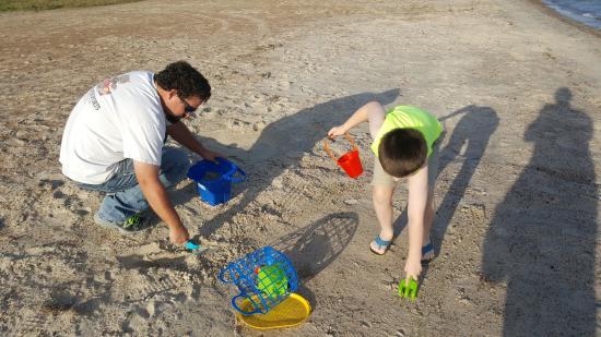 Rockport Beach: building a quick sandcastle