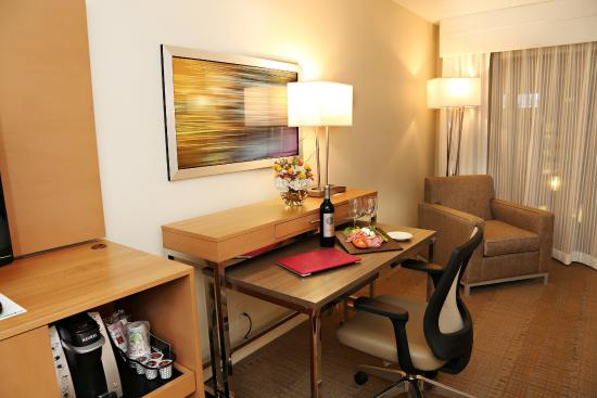 Mansfield, MA: Newly Renovated Guest Rooms