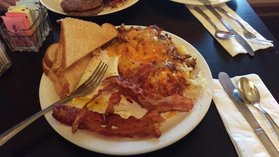 Phil's Restaurant: IMAG1400_large.jpg