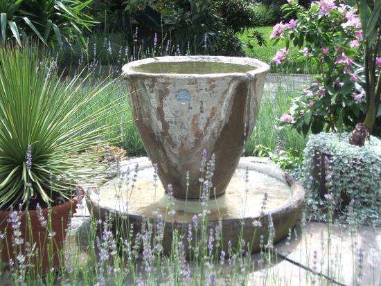 Wayne, PA: Tea garden at Chanticleer