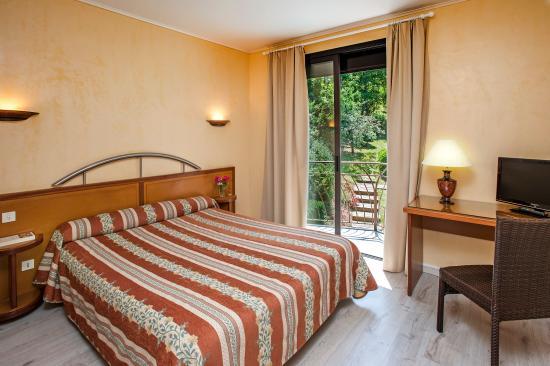 Hotel du mont aigoual meyrueis voir les tarifs 176 avis et 68 photos - Chambre d hote mont aigoual ...