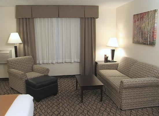 Saint Croix Falls, WI: Studio Suites offer extra room for work or play!
