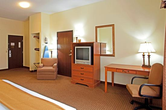 Holiday Inn Express Princeton / I-77: King Bed Guest Room