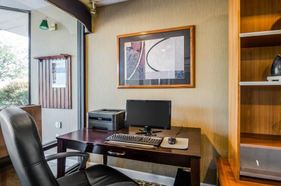 Quality Inn Troutville: Business Center